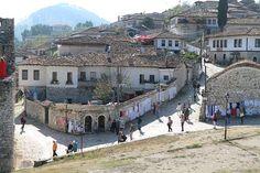 Albanie Pays la Magie et du Contraste Les Balkans, Rue Pietonne, Grands Lacs, Destinations, Site Archéologique, Albania, Organiser, Bons Plans, Mansions