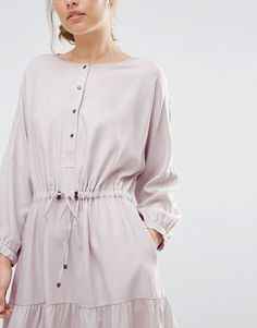 The Warehouse Oversized Tiered Smock Dress is perfect for every season, with a drawstring waist and billowing sleeves, this should be in every modern-boho wardrobe - get even more style and shopping inspiration on http://jojotastic.com/shop-my-favorites/