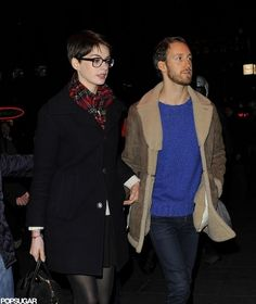 anne-hathaway-had-adam-shulman-her-screening-b7eeb0c8782c8195173b26688533a3c4-large-1376804.jpg 840×1,000 ピクセル