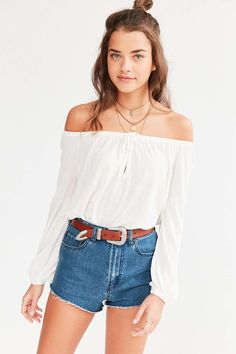 Ecote Cooper Off-The-Shoulder Top in White (Size Large) $49 // Urban Outfitters