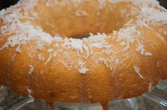 This traditional Haitian cake recipe is the basis for all Haitian cake. What sets it apart from other butter cakes is the Barabancourt rum. Haitian Cake Recipe, Haitian Food Recipes, Baking Recipes, Cake Recipes, Dessert Recipes, Donut Recipes, Healthy Recipes, Tamarindo, Hatian Food