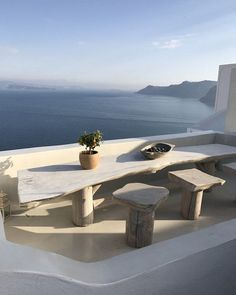 Amazing inspiration for outdoor furniture for patio or dining room from natural wood bleached for a a coastal design ,contemporary beach house look Pattersonller Exterior Design, Interior And Exterior, Outdoor Spaces, Outdoor Living, Travel Aesthetic, Future House, Architecture Design, Garden Architecture, Places To Go