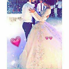 Gelinlik Cool Girl Pictures, Cute Couple Pictures, Love Photos, Cute Chibi Couple, Cute Couple Selfies, Arab Wedding, Wedding Couples, Beaux Couples, Innocent Girl