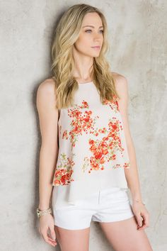 The Bella Luna Floral Tank is a pretty pick for any spring outfit. Floral top and white shorts = perfect spring outfit! Under $40!