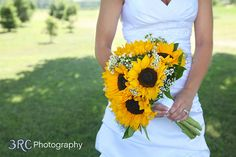 This will be my bouquet! Plus the sunset theme will coordinate them nicely! Wedding 2015, Fall Wedding, Rustic Wedding, Our Wedding, Dream Wedding, Yellow Wedding, Wedding Decor, Wedding Ideas, Sunflower Bouquets