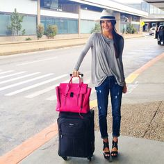 154 Best Outfit Ideas for Traveling Airport Style - Fashion and Lifestyle Travel Chic, Travel Style, Travel Design, Travel Fashion, Mode Style, Style Me, Simple Style, Spring Summer Fashion, Autumn Winter Fashion