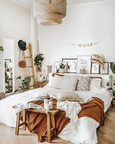 Room Design Bedroom, Room Ideas Bedroom, Home Decor Bedroom, Bedroom Colors, Plants In Bedroom, Nature Bedroom, White Bedroom Decor, Dorm Room Designs, Bedroom Green