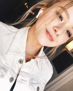 Bailey May, Best Part Of Me, Savannah, Amanda, The Unit, Celebs, Singer, Instagram, Close Up
