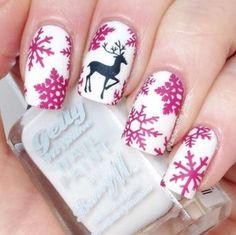 This is a great Christmas design. I can not tell if it is a stamp, free hand, stencil, or ?? Let me know what you think. Happy Holidays!!