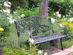 Let's have a chat..bench front garden www.mysoulfulhome.com