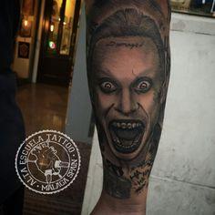Jared Leto Joker del film Suicide Squad. Tattoo by Josemi en Alta Escuela Tatttoo, nos encanta este personaje.