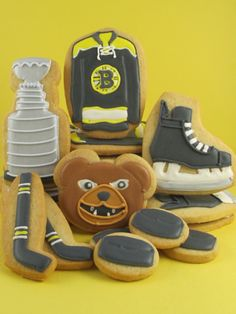 Hockey set@Lia Huscroft , need to do this for your dad!! except have to find a recipe with no butter lol ;p