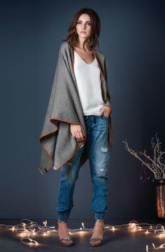 Mode kann so einfach sein: Schnell um die Schulter werfen - fertig ist der Look! #Poncho #Wintertrends #Impressionenversand