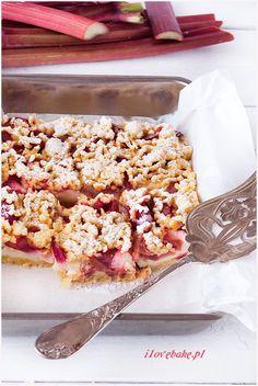 Kruche ciasto z budyniem i rabarbarem, najlepsze - I Love Bake Snack Recipes, Snacks, Sweet 15, Parfait, Cereal, Pudding, Cupcakes, Baking, Breakfast