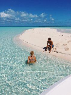 Four Tips For A Beautiful Beach Wedding Beach Aesthetic, Summer Aesthetic, Travel Aesthetic, Flower Aesthetic, Couple Goals Tumblr, Couple Goals Cuddling, War Photography, Couple Beach, Sexy Women