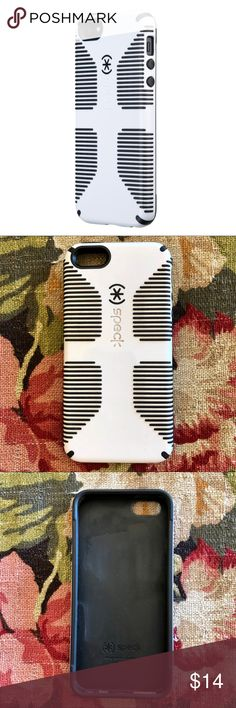 Speck iPhone 5 Case Speck iPhone 5s case black and white. Gently used still in great condition! Make me an offer!😄 Speck Accessories Phone Cases