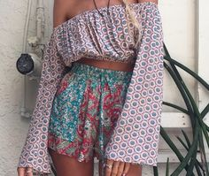 Boho chic style Hippie style Gypsy Style bohemian fashion 70s chic patterns hippie fashion Aztec, hippie