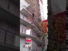 Bombero trepa 9 pisos en pocos segundos (RealVerdad)