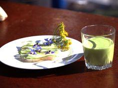 Kyld gurk- och krondillsoppa med fläderblom