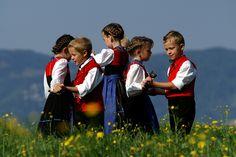 Kindertrachtengruppe  by Ludwig Berchtold, via Flickr