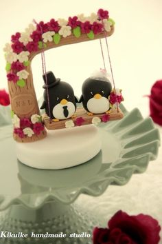 Whoever's marrying me is obligated to allow me to have a penguin cake topper on our wedding cake <3