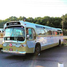 (at Septa Bus Roadeo) Retro Bus, New Bus, Run Today, Bus Coach, Bus Driver, Busses, Almost Always, General Motors, Public Transport