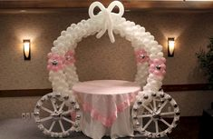 balloon arch Learn how to make a gorgeous Balloon Carriage for your next party. You won't believe how easy it is. We have a Balloon Arch and Princess Castle too. Princess Balloons, Princess Theme, Baby Shower Princess, Princess Castle, Princess Crowns, Disney Princess, Birthday Balloon Decorations, Birthday Balloons, Birthday Parties