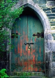 Old door | Daily Eas