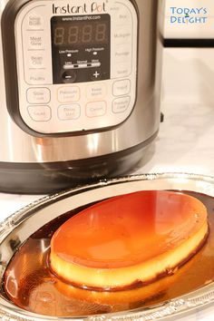 Instant Pot Leche Flan is a quicker way to cook this Filipino creamy smooth custard with caramel syrup. Leche Flan is cook in a pressure cooker for 14 mins. Cuban Recipes, Crockpot Recipes, Cooking Recipes, Filipino Desserts, Filipino Recipes, Filipino Food, Leche Flan Recipe Philippines, No Bean Chili, Colombian Food