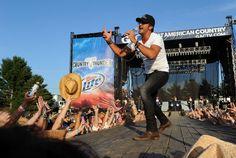 Luke Bryan Photo - Country Thunder - Day 2