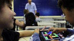 Para 92% dos professores, uso de tecnologia em sala de aula é positivo Material Didático, Music Instruments, Something Nice, Teachers, Learning, Teaching, Being Positive, Tecnologia, Musical Instruments