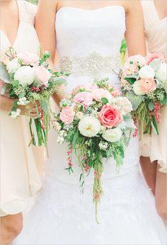 Light and bright bouquet ideas. http://www.weddingchicks.com/2014/05/08/shabby-chic-western-wedding/