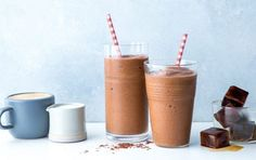 Do you enjoy drinking iced tea? We have a healthy recipe for weight loss or recipes. Try these healthy iced coffee protein shake recipes for weight loss to start your morning on the right foot! Healthy Iced Coffee, Iced Coffee Protein Shake Recipe, Protein Shake Recipes, Smoothie Recipes, Healthy Recipes, Healthy Meals, Protein Coffee, Protein Bites, Skinny Recipes