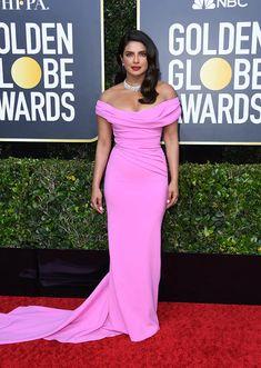 Priyanka Chopra from Golden Globes 2020 Red Carpet Fashion In Cristina Ottaviano Jennifer Aniston, Jennifer Lopez, Priyanka Chopra, Michelle Williams, Hollywood Hair, Hollywood Glamour, Golden Globe Award, Golden Globes, Celebrity Red Carpet
