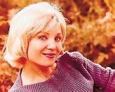 Susan Oliver - Find A Grave Memorial Susan Oliver, Green Girl, Tv Land, Grave Memorials, Find A Grave, Celebs, Celebrities, Star Trek, Movie Stars