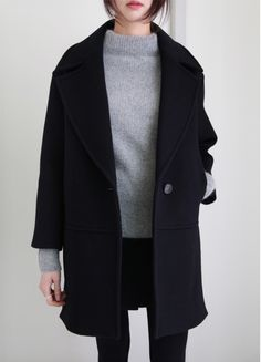 grey jumper black skinny jeans and oversize wool black coat
