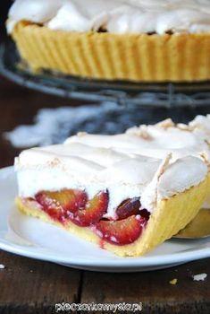 tarta ze sliwkami i beza Plum Jam, Polish Recipes, Camembert Cheese, Cake Recipes, Cheesecake, Good Food, Food And Drink, Low Carb, Menu