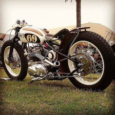 This is one great looking build with a very attractive design #bike #racing #racer #bobber #chopper #bikeshare #ride #motorcycles #motosport