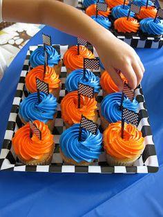 New Ideas Birthday Cupcakes Ideas For Boys Cars Hot Wheels Party, Bolo Hot Wheels, Hot Wheels Cake, Hot Wheels Birthday, Race Car Birthday, Race Car Party, Cars Birthday Parties, Race Cars, 3rd Birthday