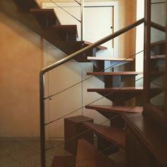 GiraffeBACK  #falegnameria #wooddesign #wood #woodworking #woodenart #woodporn #woodshop #woodwork #woodcraft #custommade #handmade #craftsman #artisan #artisanal #homedecor #workshop #interiordesign #carpentry #carpenter #reclaimedwood #customwoodwork #stairs #woodstairs #stairsdesign #stairsteps #stairsandsteps