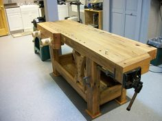 2012 Workbench Of The Month - Wood Vise Screw and Wooden Vise for Leg Vise, Wagon Vise, Shoulder Vise, Twin Screw Vise, Tail Vise and Face Vise for Wood Workbenches