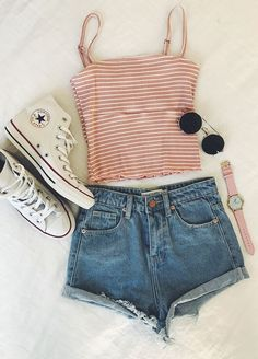 How cute is this outfit? , For More Fashion Visit Our Website cute summer outfits, cute summer outfits outfit ideas,casual outfits How cut. Teen Fashion Outfits, Look Fashion, Girl Outfits, Curvy Outfits, Womens Fashion, Lazy Outfits, Feminine Fashion, Jean Outfits, Cute Fashion