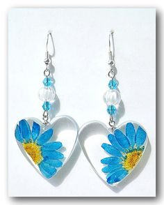 Resin earring. Handmade Jewelry Resin with Flower by Annysworkshop, $18.00