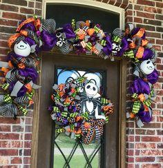 Halloween Garland, Halloween Deco Mesh, Halloween Mantel, Halloween Skeletons, Halloween 2017, Disney Halloween, Halloween Stuff, Halloween Pumpkins, Halloween Ideas