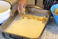 Hrnečkový jablečný koláč se skořicí připravený za pár minut! | Vychytávkov Apple Pie, Food And Drink, Baking, Ethnic Recipes, Pastries, Bakken, Tarts, Backen, Apple Pie Cake