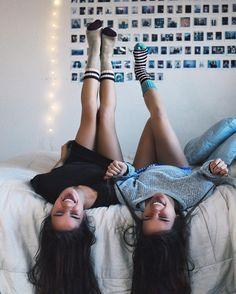A graça da vida é da risadas,o resto a gente chora escondido no chuveiro