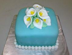 Calla Lily Cake by: Stick a Cake In It