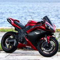 Bike Nations - Fails, Crash, Cops vs Bikers and much more! Street Fighter Motorcycle, Futuristic Motorcycle, Motorcycle Tank, Motorcycle Outfit, Yamaha Bikes, Yamaha Motor, Yamaha R1, Ducati, Concept Motorcycles
