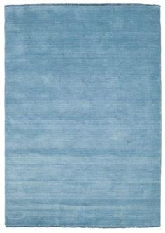 Handloom fringes - Lys blå teppe 160x230