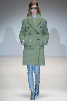 Foto GHW201415 - Gucci Herfst/Winter 2014-15 (1) - Shows - Fashion - VOGUE Nederland